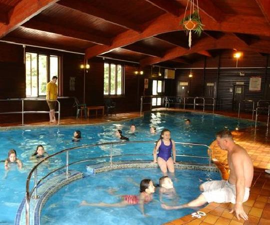 Tolroy Manor Holiday Park: Free indoor heated pool and sauna