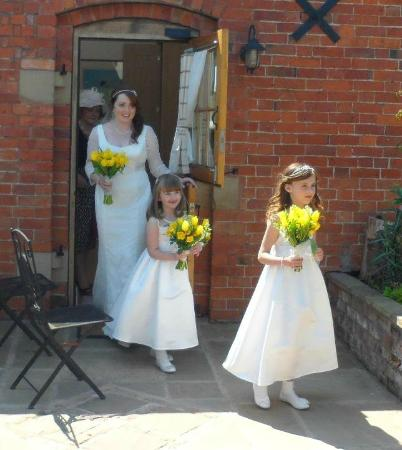 Yew Tree House Bed and Breakfast: bride leaving for the church