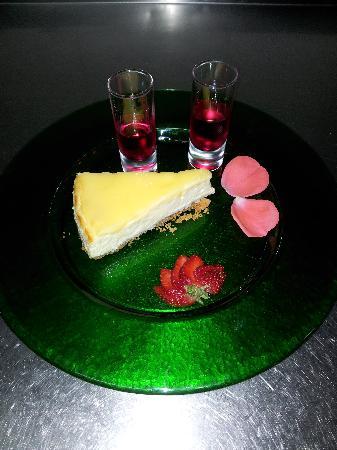 La Fuente mama beths lemony lemon cheese cake
