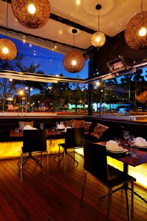 Modern Thai: Outdoor Dinning