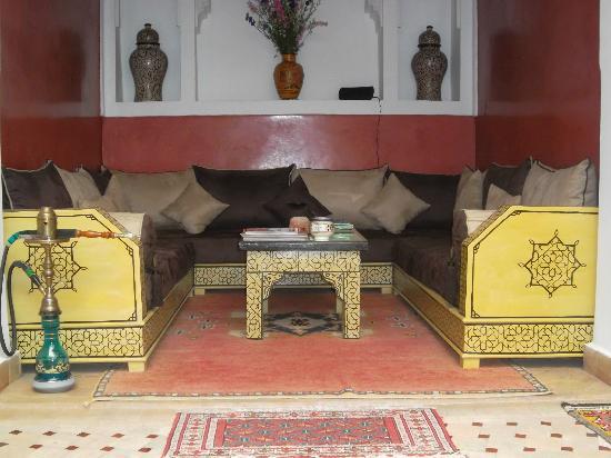 Riad Charme d'Orient : Un des nombreux salons du riad