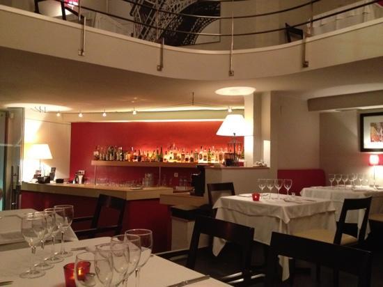 Mezzanine: bar