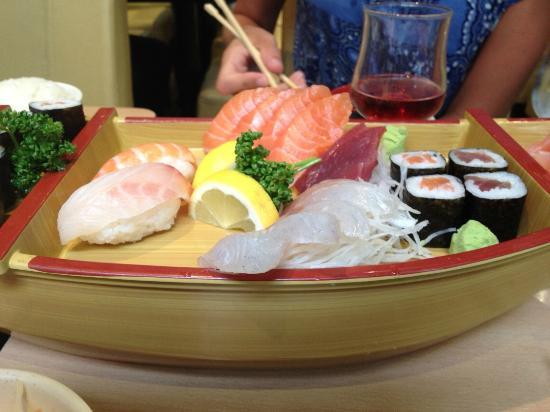 "Yokorama : The sushi boat from the ""X"" menu"