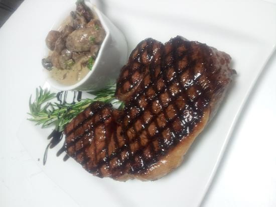 Enoteca : 12 oz Sirloin, From Kellys Butchers In Newport, With Mushroom Sauce
