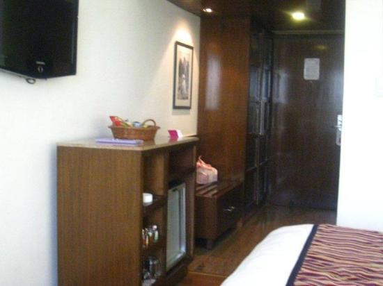 Royal Orchid Central Jaipur: Single room