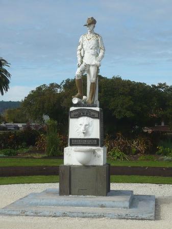 Government Gardens (Statue)