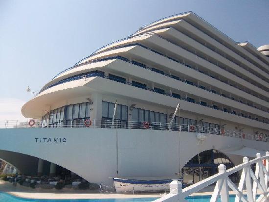 Titanic Beach Lara Hotel: Titanic