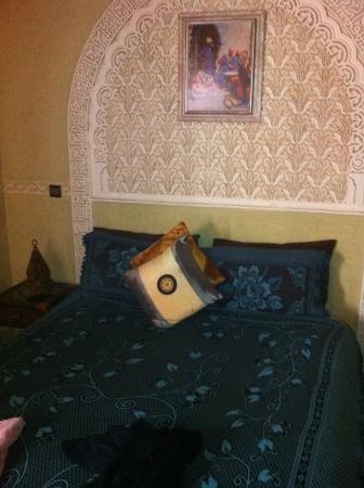 Riad Dubai: room