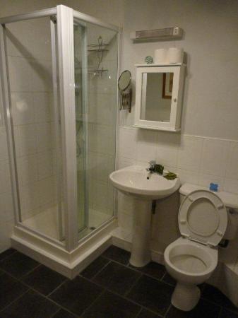 Faculty Serviced Apartments: Bathroom of nr 11