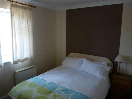 Faculty Serviced Apartments: One of the 3 bedrooms of app 11.