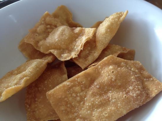 W.W. Laksa House : deep fried wantan skin