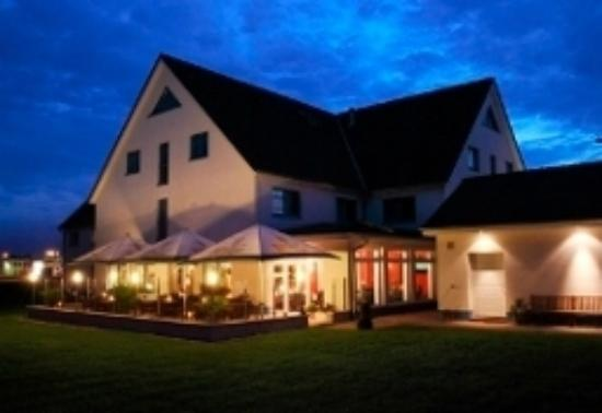 Hotel Pommernland: Hotelansicht mit Restaurant