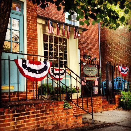 Scarborough Fair Bed & Breakfast: Come Celebrate Sc=tar Spangled 200 here in Baltimore in one of the few places for Lodging that w