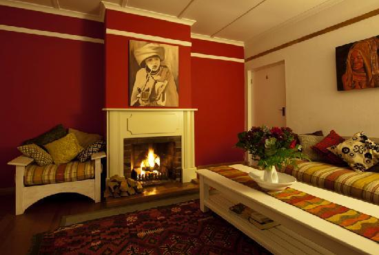 Hermanus Backpackers: The Cottage Lounge