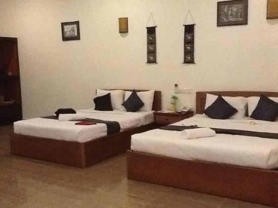 Angkor Spirit Palace: Our hotel room