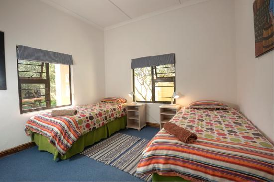 Hermanus Backpackers: Standard Twin Room, The Cottage