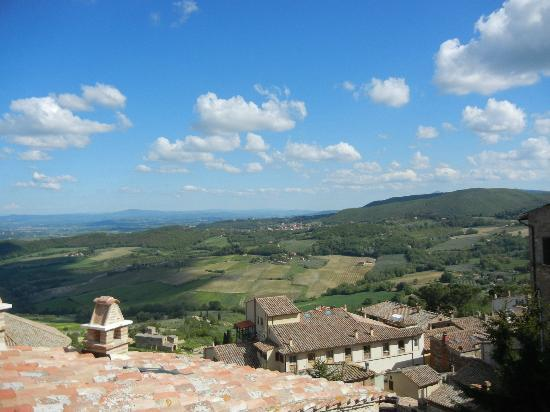 Meuble il Riccio: View from rooftop terrace