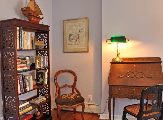 Rondout Inn: Wiltwyck Suite Den