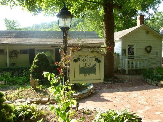 Maple Leaf Cottage Inn: Maple Leaf Inn