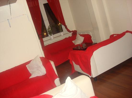 Hostel Yellow: Salotto in comune/ living room
