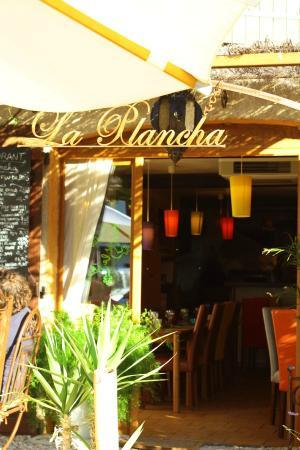 restaurant la plancha dans les salles sur verdon avec cuisine fran 231 aise restoranking fr