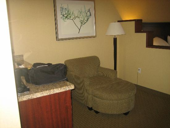 Hampton Inn Phoenix-Airport North: large suite