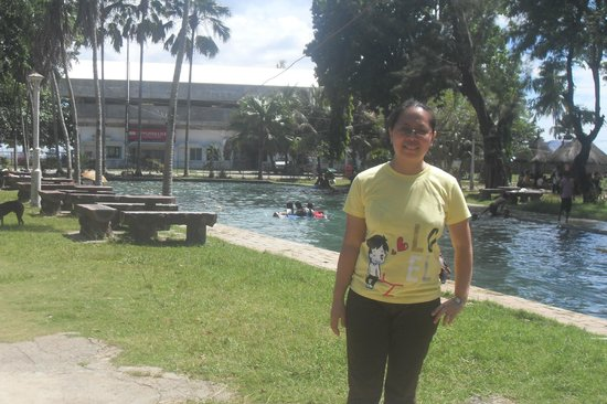 Capilay Spring Park : Lake at the middle of the town Plaza - Capilay Lake