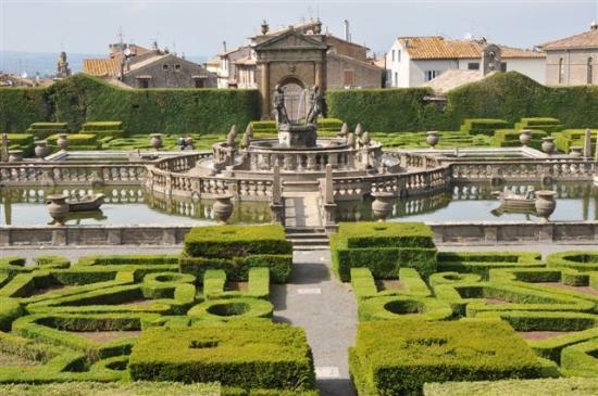 Villa Lante: ...wir können nur staunen.....