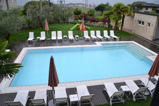Park Hotel Il Vigneto: piscina giorno
