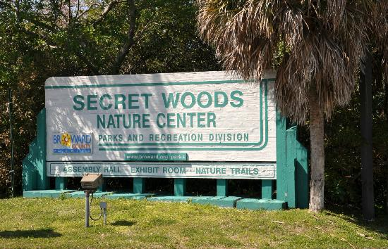 Entrance to Secret Woods Nature Center