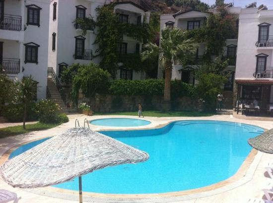 Sunny Garden Nilufer Hotel: Pool area, really clean and good size.