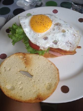 Xocolatier: Egg bacon bagel sandwhich