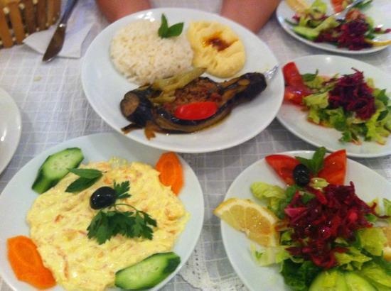 Sunny Garden Nilufer Hotel: More yummy dinner