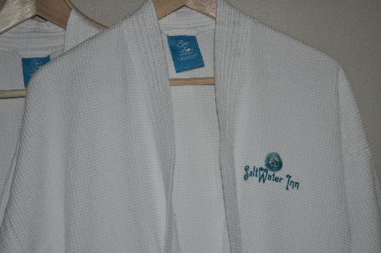 Saltwater Inn: Spa Robes