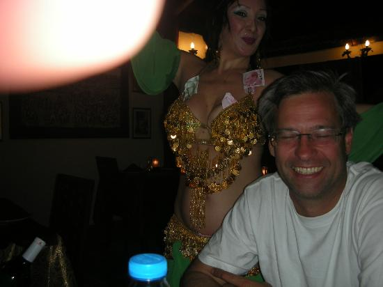 Sultan Ahmet Restaurant: Belly Dancer!