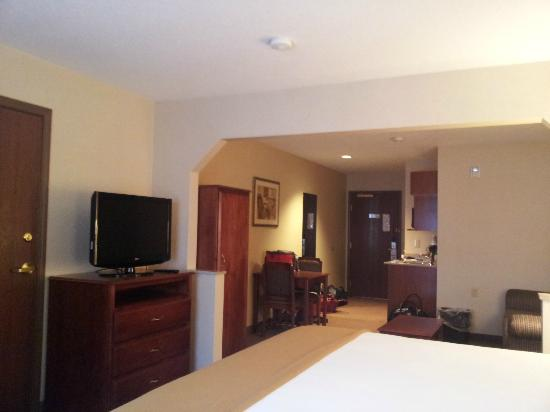 Holiday Inn Express Hotel & Suites Hill City: Our room