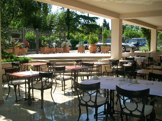 Hotel Villa Vera: Frühstücksterasse