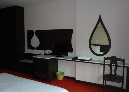 Nongkhai City Hotel: Die Zimmereinrichtung ist nicht opulent, aber in Ordnung.