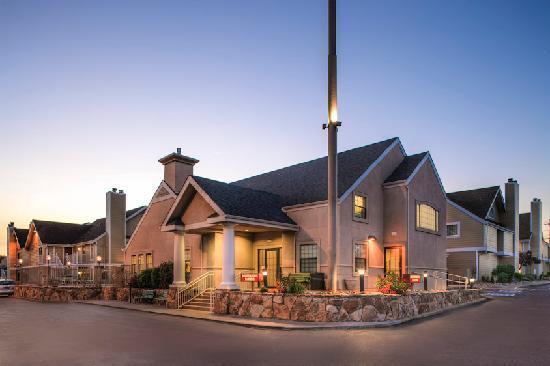 Residence Inn Denver Downtown: Gatehouse