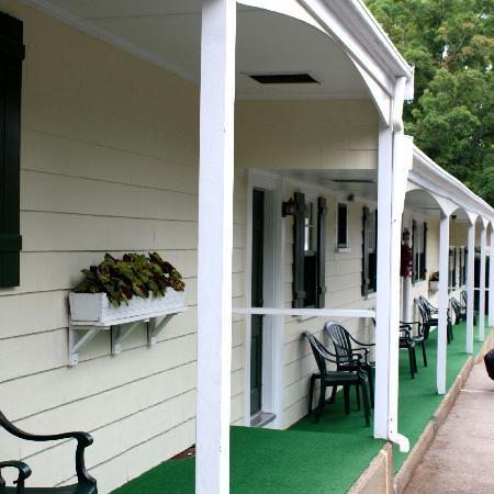 Country Acres Motel: All rooms ground level.
