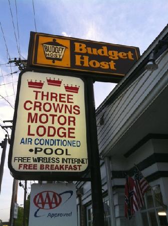 Budget Host Three Crowns Motor Lodge: this is their sign