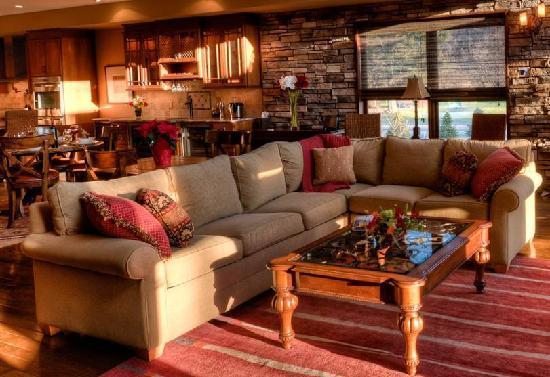 Ellicott Villas: EllicottVillas Living Room