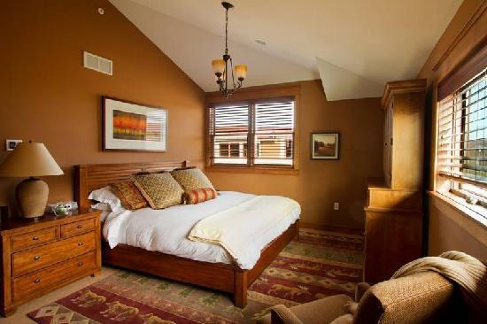 Ellicott Villas: EllicottVillas Master Suite