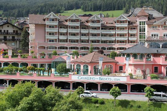 Cavallino Bianco Family Spa Grand Hotel: Hotel