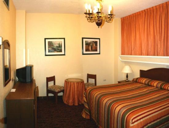 MonteCarlo Hotel: HABITACION SENCILLA