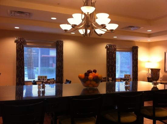 Holiday Inn Express Hotel & Suites Saint Augustine North: The Breakfast Room