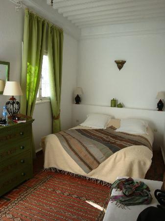Dar Ness: Great top floor Room