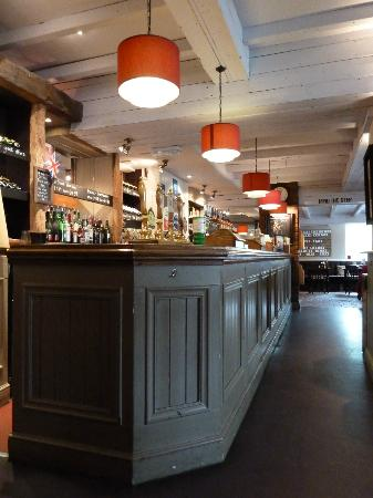 Prince of Wales : The bar