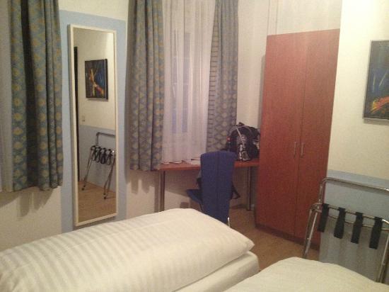 City Hotel zum Domplatz: Zimmer