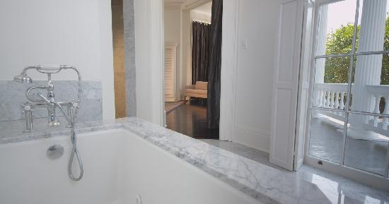 Melrose Mansion: Master Suite Bathroom